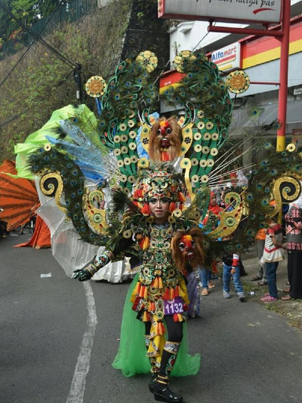 Kostum Karnaval Unik Yang Nyeleneh Tapi Menjadi Terpopuler